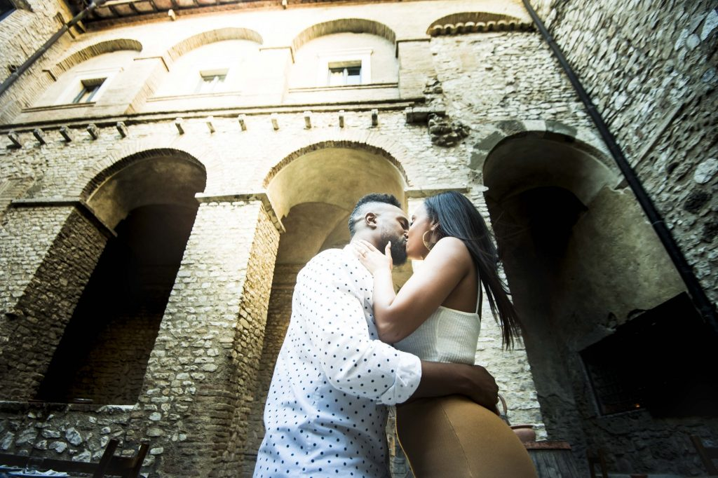 Engagement photo shooting Rome Castle