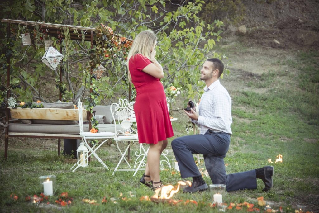 Marriage proposal in Tuscany